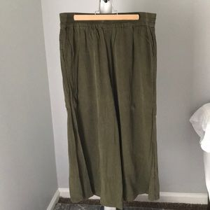 Urban Outfitters Silence & Noise olive coulottes